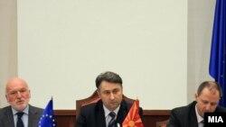 Евроамбасадорот Ерван Фуере, пратеникот Зоран Петрески и амбасадорот на Унгарија Ференц Кекеши