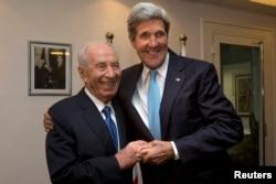 Шимон Перес и госсекретарь США Джон Керри в Иерусалиме, июнь 2013 года
