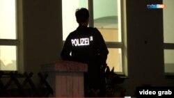 Poliția intervine la Bautzen (Foto: TV/MDR)
