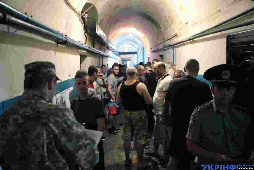 На території Лук'янівського СІЗО у Києві також голосують