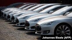 Modeli S i veturave të kompanisë, Tesla.