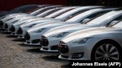 Teslanın Çində satdığı elektrik avtomobilləri