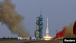 Один із попередніх запусків космічної ракети в Китаї