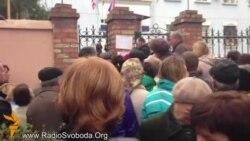 Керчане возмущены очередью за российским паспортом