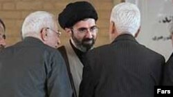 Khomeini-nin əsas rəqibi Mojtaba Khamenei