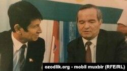 Самандар Куканов жана Өзбекстандын мурдагы президенти Ислам Каримов.