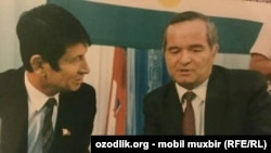 Самандар Коконов пен Өзбекстанның бұрынғы президент Ислам Каримов.