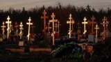 Участок кладбища на окраине Петербурга, где хоронят умерших с коронавирусной инфекцией