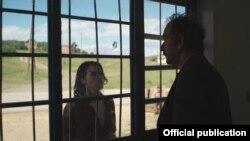 """Pamje nga filmi """"Tri dritare dhe një varje"""""""