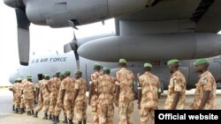 صلحبانان آلمانی در حال عزیمت به رواندا