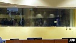 Prazno mjesto za Karadžića u sudnici Haškog tribunala, 26. oktobar 2009.