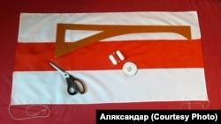 Simbolul protestelor anti-prezidențiale din Belarus.