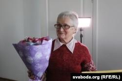 Ніна Багінская падчас уручэньня прэміі
