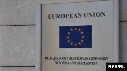 Tabla na ulazu u sjedište Delegacije Evropske komisije u BiH, foto: Midhat Poturović