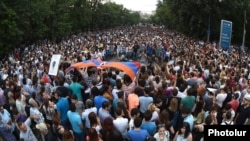 Armenia - Thousands of people demonstrate on Marshal Bagramian Avenue in Yerevan, 24Jun2015.