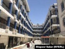 Így nézett ki Herátban a pénzváltó piac 2020 októberében. Emberek azért nincsenek a képen, mert a pénzváltók éppen sztrájkoltak a súlyos biztonsági helyzet miatt