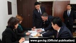 Премьер-министр Темир Сариев алгачкылардан болуп өз турак-жайын камсыздандырды.