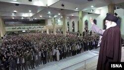 دیدار عدهای از دانشجویان با آیتالله خامنهای، رهبر جمهوری اسلامی