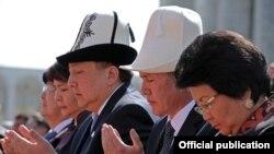 Асылбек Жээнбеков, Алмазбек Атамбаев, Роза Отунбаева, 7-апрель, 2012-жыл