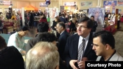 کاستاس منگاکیس نماینده مجلس کانادا و معاون پارلمانی وزیر مهاجرت و شهروندی کانادا در بازار نوروزی