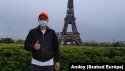 Andoy optimista, reméli, hogy hamarosan megkapják a papírjaikat