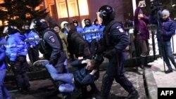 Під час протестів у Бухаресті сталися сутички між поліцією і протестувальниками, 1 лютого 2017 року