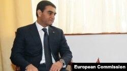 Türkmenistanyň daşary işler ministriniň orunbasary Wepa Hajyýew. Arhiw suraty