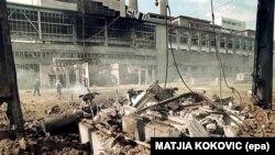 """Termoelektrana """"Kolubara"""" u Velikim Crljenima kod Beograda posle NATO bombardovanja, maj 1999."""