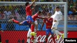 Збірна в червоних футболках зіграє в Бразилії ще щонайменше один матч. Після перемог над уругвайцями та італійцями в Коста-Риці мріють і про успіх із голландцями