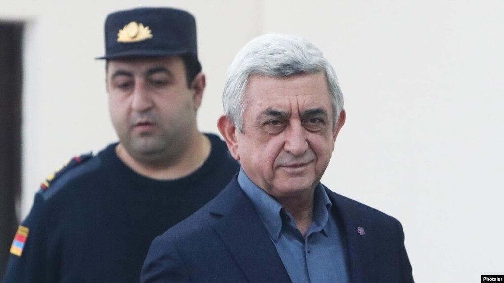 Арменияның бұрынғы президенті Серж Саргсян сот залында. Ереван, 25 ақпан 2020 жыл.