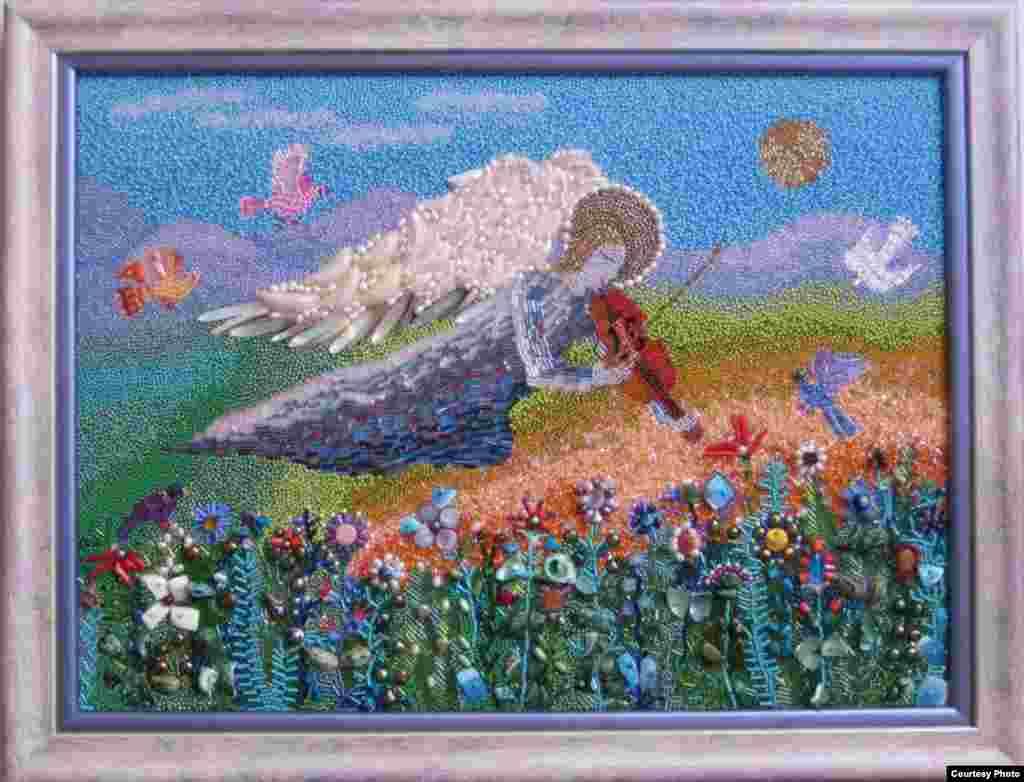 Ангел, играющий для цветов. Бисер