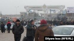 На таможенном посту «Жибек жолы» на казахстанско-узбекской границе. Иллюстративное фото.