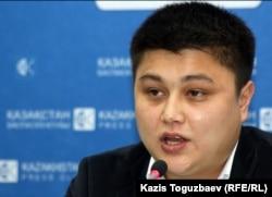Президент Республиканской сети независимых наблюдателей Данияр Ливазов. Алматы, 13 января 2012 года.