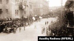 1918-ci il, 15 sentyabr. Qafqaz İslam Ordusu Bakıya daxil olur
