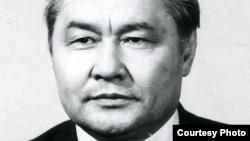 """Нұрмұхан Оразбеков - 1991 жылы ГКЧП-ны төңкеріс деп бағалаған """"Орталық Қазақстан"""" газетінің бұрынғы бас редакторы."""