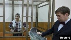 Надія Савченко та Ілля Новиков під час суду, архівне фото