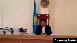 Cудья Руслан Қабиев. Ақтау, 19 қараша 2012 жыл. (Фото Twitter желісінен алынды).