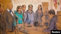 Ахрор Сайдахметов (слева третий), его судебный переводчик (в центре) и Абдурасул Джурабоев (справа третий) в зале суда. Рисунок. Нью-Йорк, 25 февраля 2015 года.