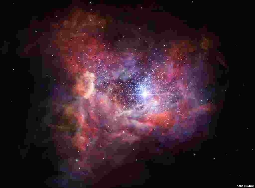 این یک برداشت هنری از تصویر کهکشان A2744_YD4 است. این کهکشان جوان در این تصویر- زمانی که دنیای ما تنها چهار درصد عمر کنونی اش را داشت- هنوز مملو از گرد و غبارهای فضایی است. اطراف این کهشان با ذرات اکسیژن یونیزه شده محاصره شده است که جلوهای درخشنده به آن میبخشد. این دورترین و همینطور اولین رصد اکسیژن در عالم است.