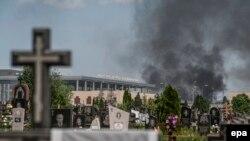 Донецький аеропорт під час бою між військовими і бойовиками, 26 травня 2014 року