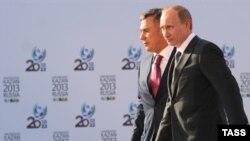 Владимир Путин һәм Рөстәм Миңнеханов. Казан, 6 май 2010