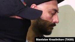 Задержанный Кирилл Серебренников – с сопровождением
