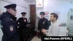 Задержание в штабе