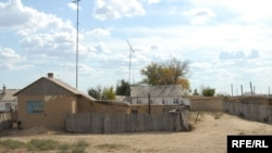 Так выглядело село Комсомол до своего расформирования. Макатский район, Атырауская область, август 2009 года.