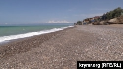 Крым. Бязьлюдны пляж у Нікалаеўцы