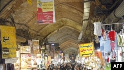 Shoppers at Tehran's Grand Bazaar (file photo)