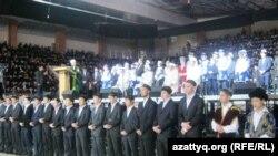 Мусульмане Казахстана на праздновании дня рождения пророка Мухаммеда.