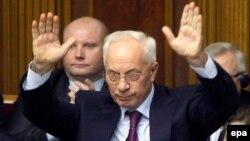 Микола Азаров в урядовій ложі Верховної Ради, грудень 2013 року