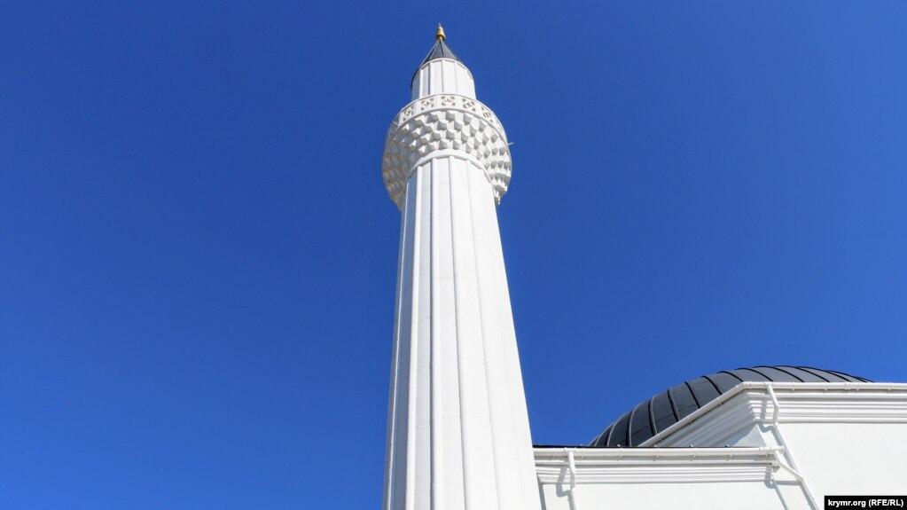 В начале 1990-х после массового возвращения крымских татар на полуостров мечеть передали в пользование мусульманской общине. Решение о начале реконструкции приняли в 2006 году. Однако фактически работы начались спустя 8 лет