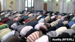 Молитва в одной из мечетей Татарстана